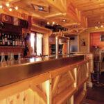 L'entrée du bar du chalet des Marmottes