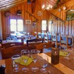 La salle de restaurant de l'étage du chalet des Marmottes